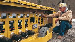 Eaton e2 mining service circuit breaker for trailing cable mining circuit breakers sciox Choice Image